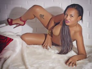 Gratis video webcamsex clip met BrianaDuff