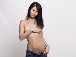 Gratis video webcamsex clip met BrunetteRia06