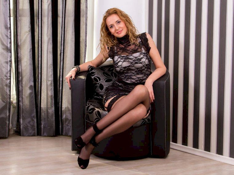 Profil de julyblondy - Photo n°1