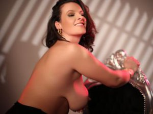 Webcam sex brunette de RebeccaNoble