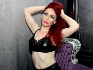 Webcam sex mature et mûre de SubmissiveJane