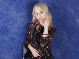 Blonde Webcam Sex von SweetAngelBlond