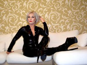 Rencontre cougar avec TanyaFemDom